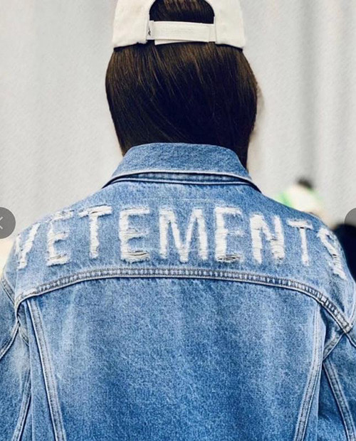 VT BACK LETTERING DENIM JACKET