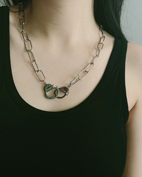 ABS HAND SCUFF NECKLACE